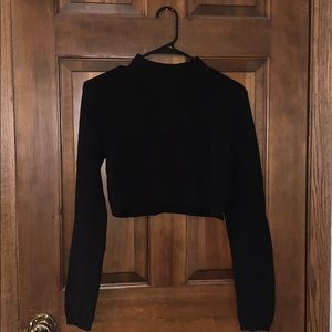 Cute black cropped sweater